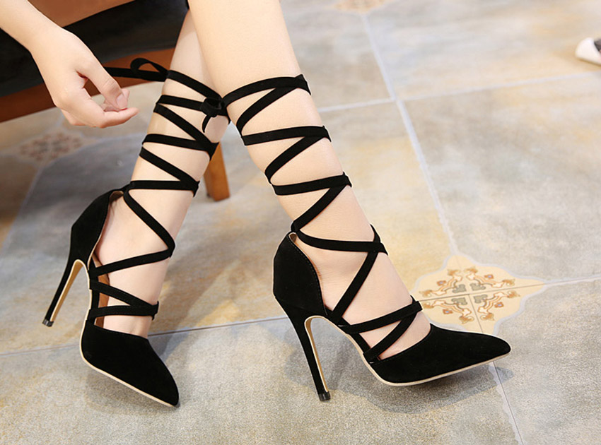 블랙피치Black  Suede Strappy Heels
