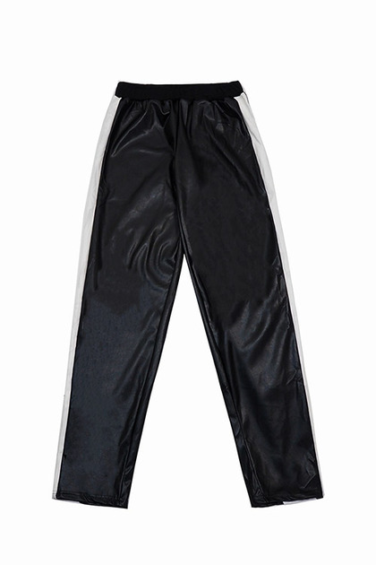 블랙피치(sale) Faux Leather Line Track Pants