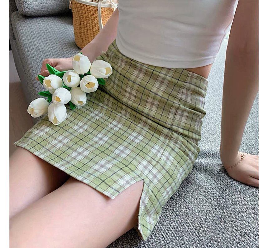 mini skirt model image-S1L71