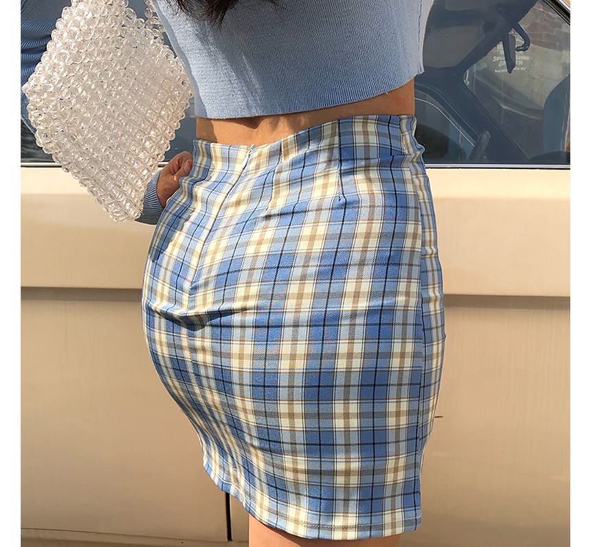 mini skirt model image-S1L31