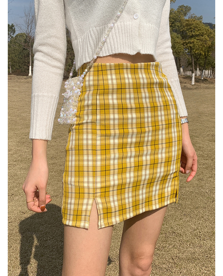 mini skirt model image-S1L75