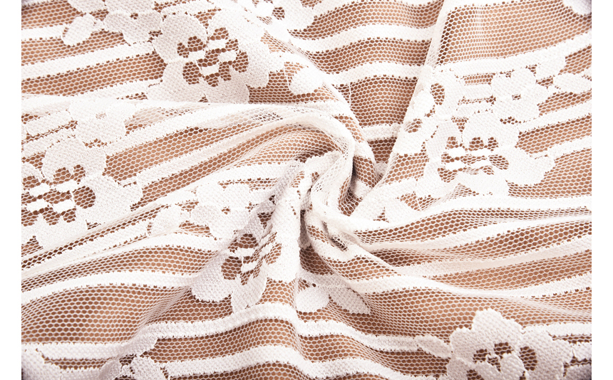 dress detail image-S1L52