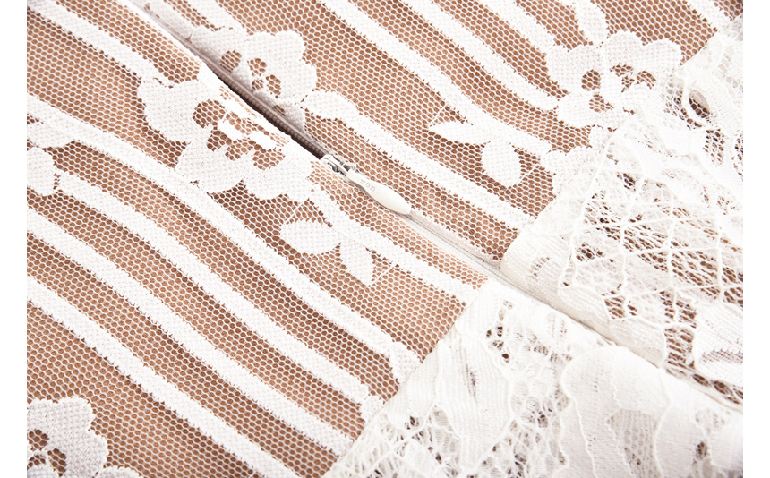 dress detail image-S1L49
