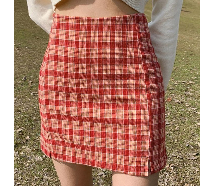 mini skirt model image-S4L25