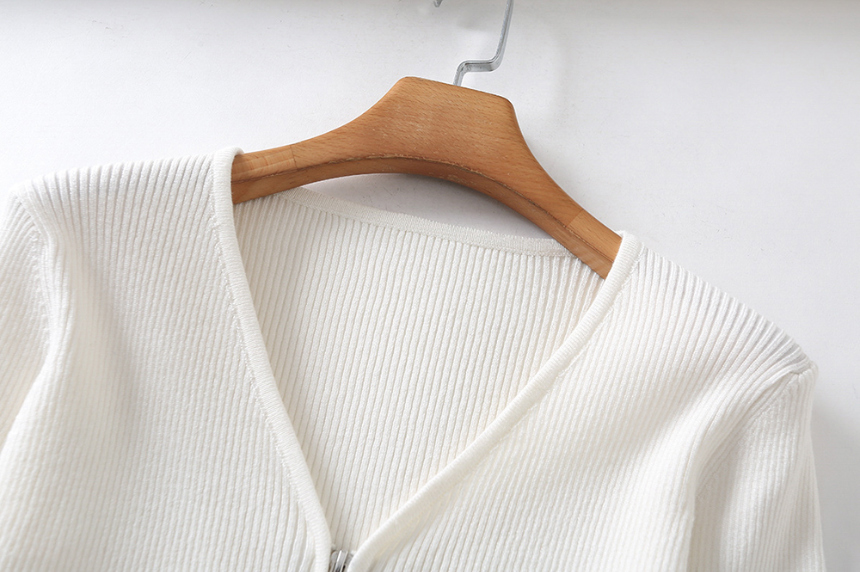 dress detail image-S1L24