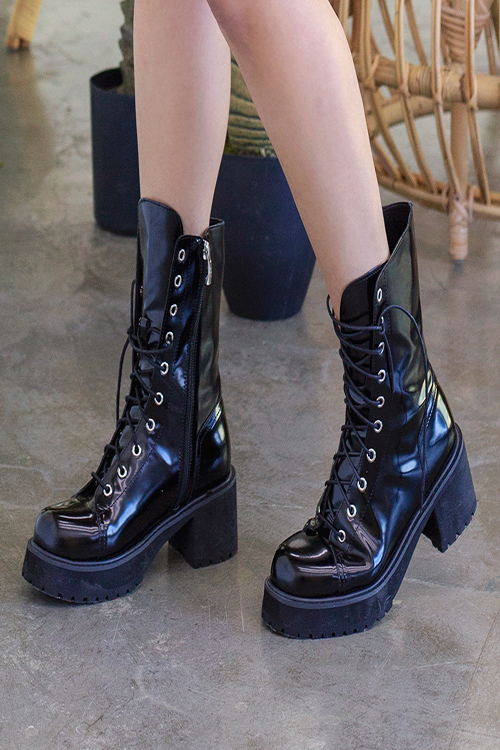 블랙피치Faux Leather Combat Boots